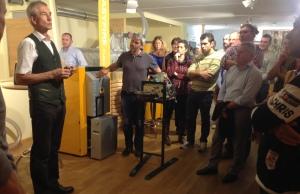Erwin Stubenschrott in una presentazione presso la sua azienda KWB