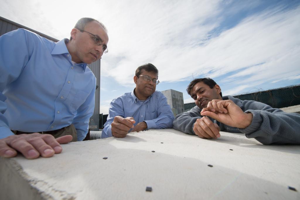 Anche semplici materiali da costruzione possono essere dotati di speciali sensori per il monitoraggio in Rete delle sollecitazioni subite e dello stato di conservazione. Nell'immagine alcuni sensori wireless utilizzati per le strutture in cemento armato.