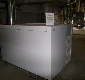 Una delle nuove caldaie a condensazione alimentate a gas metano, installate a integrazione dell'energia termica prodotta dal cogeneratore per il riscaldamento invernale dell'intero complesso universitario (Università degli Studi di Torino).