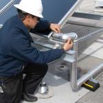 La manutenzione di un impianto solare termico, oltre a controllare periodicamente la qualità del fluido termovettore, dovrà prevederne la completa sostituzione ogni tre o quattro anni.