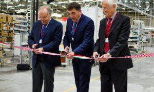 Da sinistra: Luigi Rossi Luciani (presidente Carel), Tulio Demetlika (sindaco di Labin), Luigi Nalini (amministratore delegato Carel).