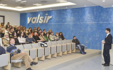 Valsir Meets the Schools