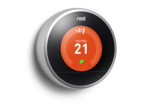 Nest è il capostipite dei termostati intelligenti auto-adattativi, un'icona di riferimento per design ed ergonomia.
