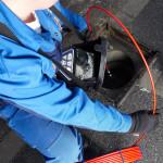 L'esame interno delle condotte fumarie può essere effettuato in modo pratico ed efficace con apposite sonde in fibra ottica dotate di telecamera (Wöhler).