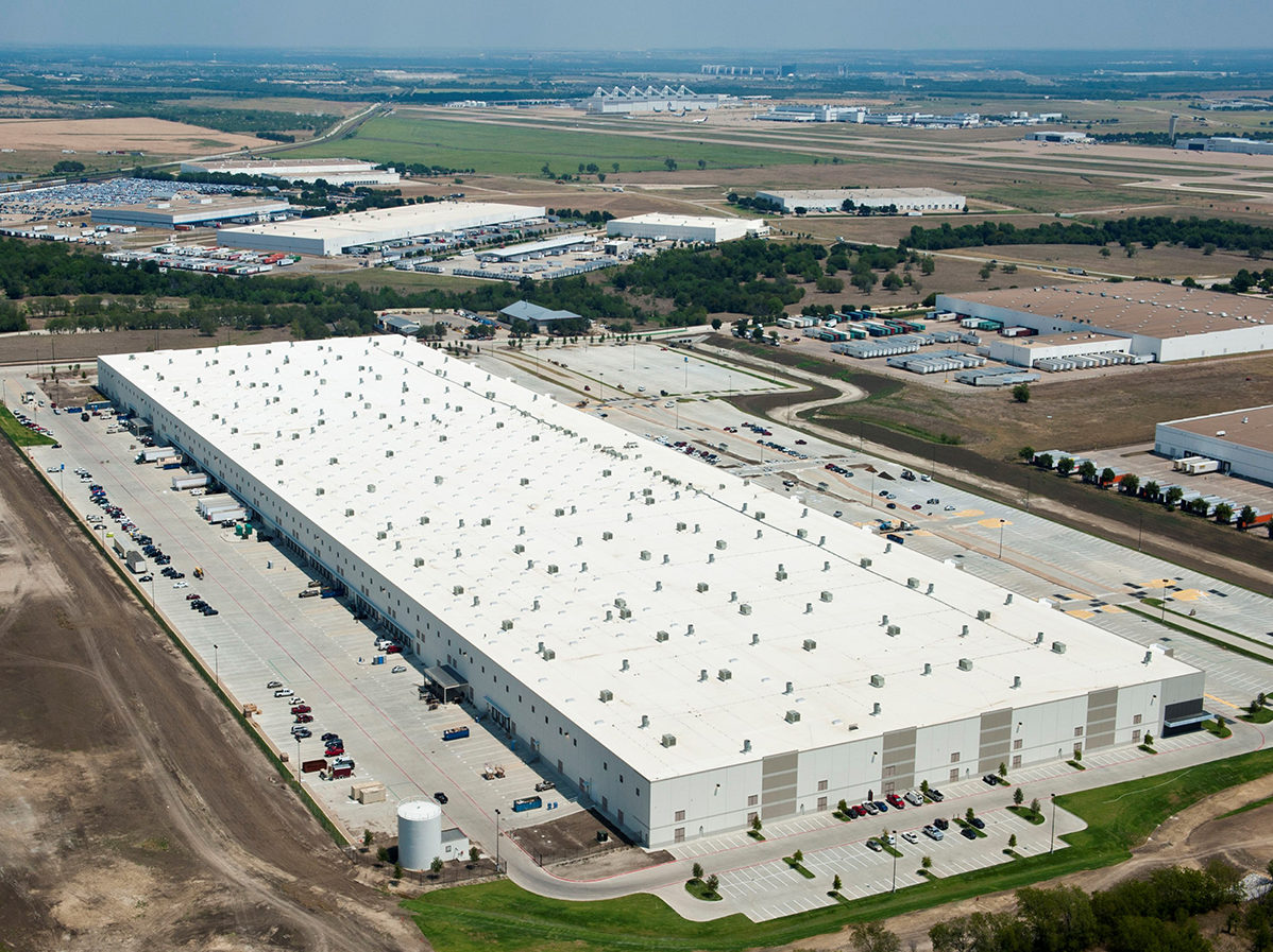 Come Riscaldare Ambienti Grandi il controllo del microclima nei magazzini per la logistica
